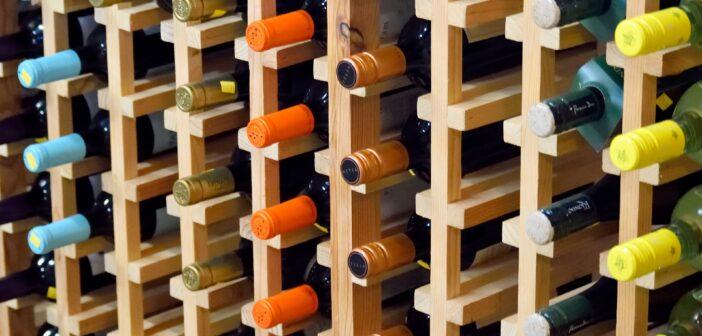 Víno v regálu, nakupování přes internet
